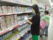 Thị trường sữa: Sau loạn giá đến loạn  hàng xách tay