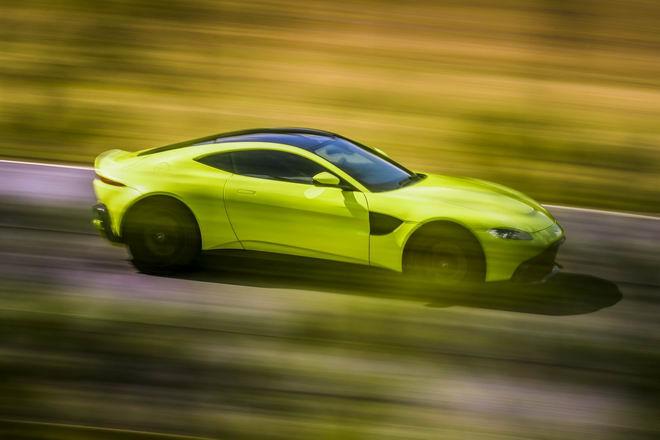 Tuyệt tác Aston Martin Vantage 2018 giá 3,4 tỷ đồng - 2
