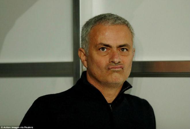 """MU lúng túng với Ibrahimovic: Quá muộn để Mourinho """"xếp hình"""" - 2"""