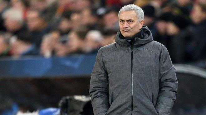 """MU thất bại đau đớn, Mourinho trách học trò toàn """"chân gỗ"""" 2"""