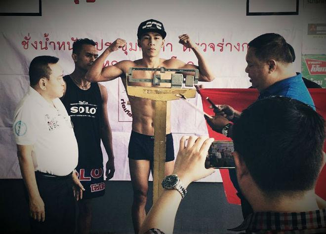 Chi tiết Trần Văn Thảo - Lumoly: 13 giây, cú knock-out lịch sử (Tranh đai boxing WBC) 4