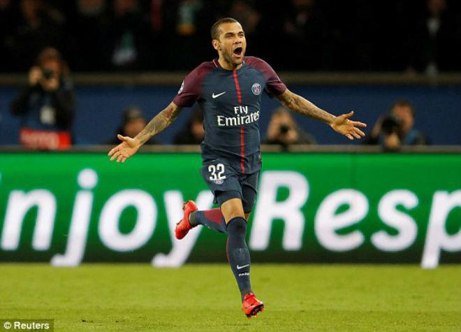 """Tuyệt tác cúp C1: Griezmann """"ngả bàn đèn"""", Neymar đua """"săn bàn"""" Cavani 10"""