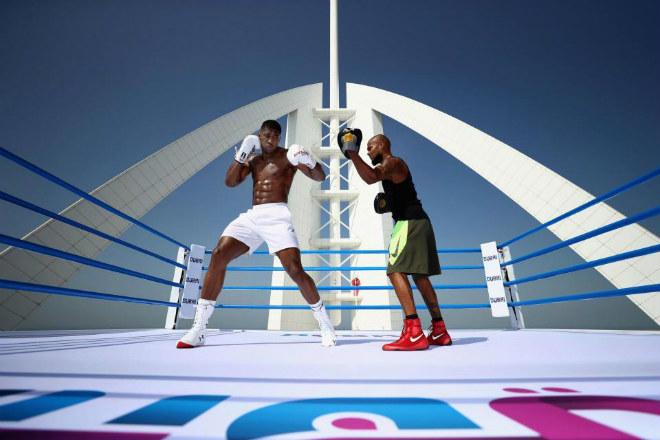 """""""Vua boxing"""" Joshua chơi trội: Luyện công trên võ đài hiểm nhất thế giới 4"""