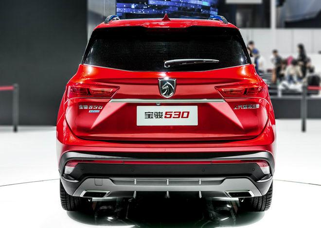 GM giới thiệu SUV bình dân có thiết kế bắt mắt - 3