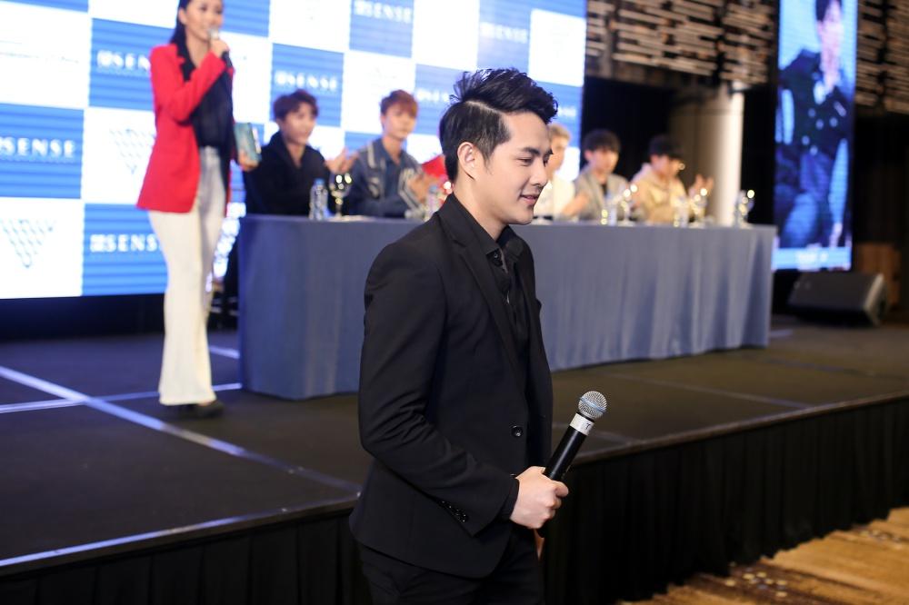 Ông Cao Thắng không tiếc tiền đầu tư cho nhóm nhạc nam - 2