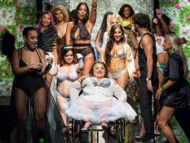Không phải Victoria's Secret, đây mới show nội y đặc biệt nhất hành tinh!