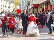 """Đám cưới đặc biệt  """" hiếm có khó tìm """"  của cặp đôi mê patin"""