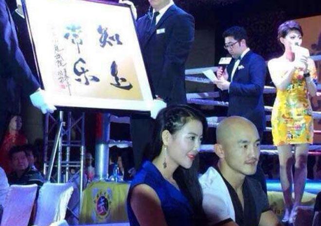"""""""Đệ nhất Thiếu Lâm"""" lộ bạn gái: Hoa hậu Thượng Hải, siêu mẫu bikini 2"""