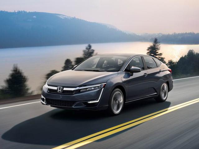 Honda Clarity PHEV công bố giá từ 760 triệu đồng - 1