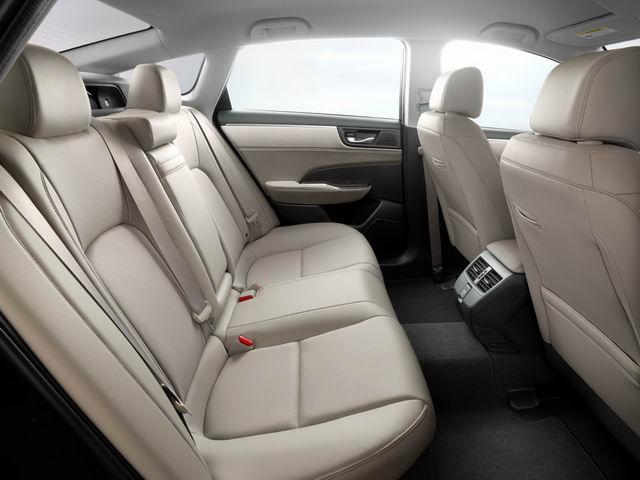 Honda Clarity PHEV công bố giá từ 760 triệu đồng - 4