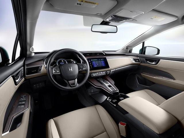 Honda Clarity PHEV công bố giá từ 760 triệu đồng - 3