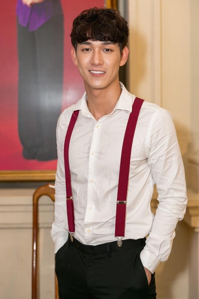 Tiết lộ bất ngờ của mỹ nam khỏa thân đóng cảnh nóng với Thanh Hằng