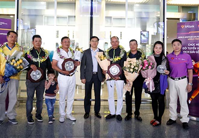 Vỡ òa golfer nghiệp dư Việt Nam gây chấn động giải thế giới 2