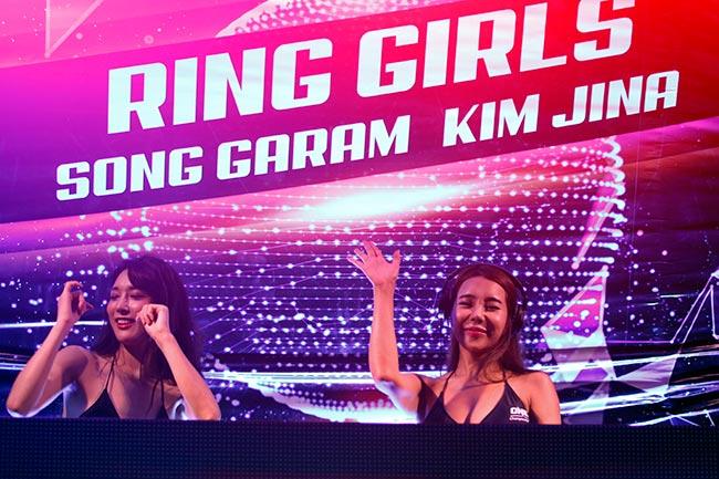 Dàn hot girl nóng bỏng ở giải MMA lớn nhất châu Á 2