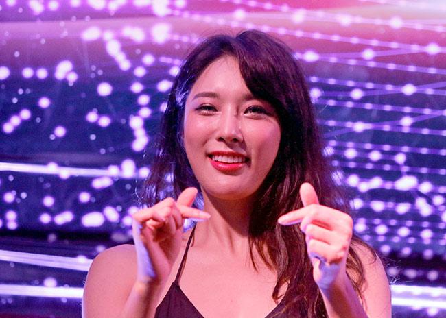 Dàn hot girl nóng bỏng ở giải MMA lớn nhất châu Á 3