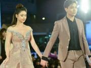 Tim, Trương Quỳnh Anh tay trong tay trên thảm đỏ, phớt lờ dư luận