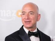 Ông chủ Amazon đã giầu còn giầu thêm sau Black Friday