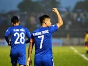 Quảng Nam - TP.HCM: Thẻ đỏ, penalty  & amp; cú đánh đầu trái phá