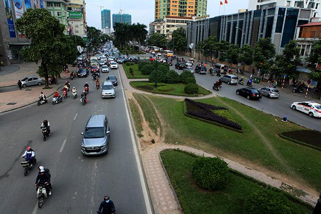 Ngắm con đường đẹp nhất Việt Nam trước ngày bị xén thảm cỏ
