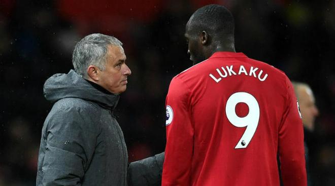 """""""Côn đồ"""" Lukaku hiện hình: 1 bàn/6 trận, MU – Mourinho khó vô địch 2"""