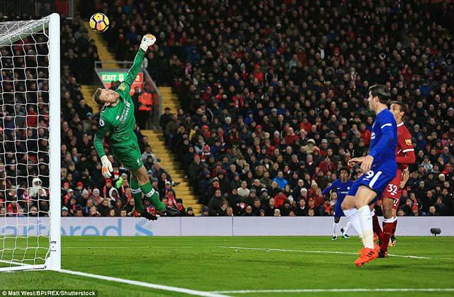 """Góc chiến thuật Liverpool - Chelsea: Salah ngang trình Hazard, Klopp """"điên"""" như Conte 2"""