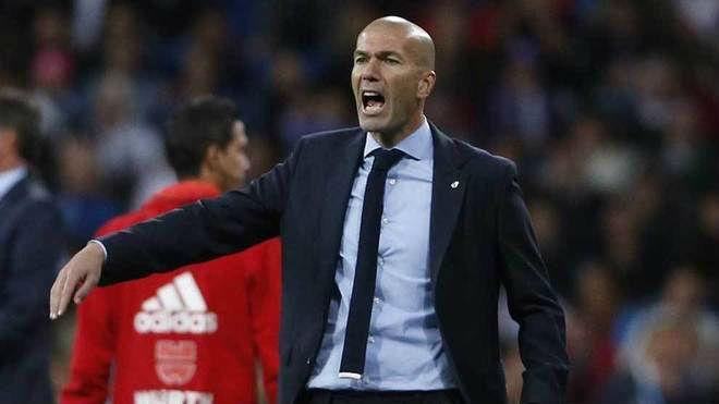 """Real thắng nhờ trọng tài: Zidane vẫn tự hào, """"úm"""" Barca sảy chân - 5"""