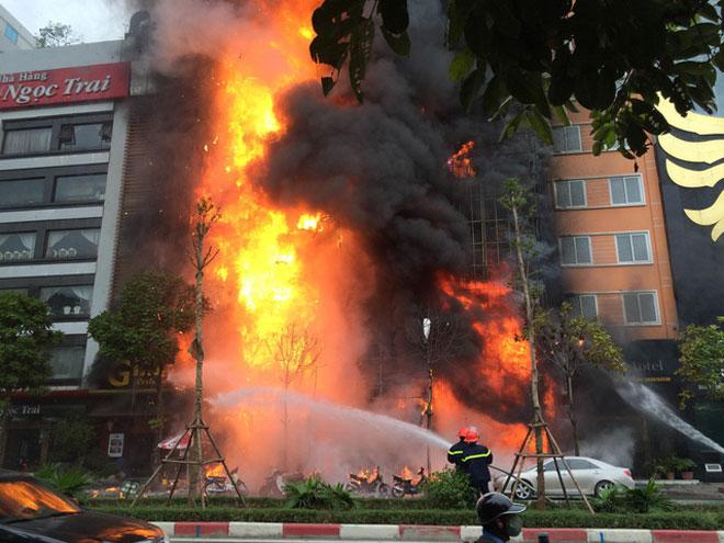 Tin mới nhất vụ cháy quán karaoke làm 13 người chết ở Hà Nội