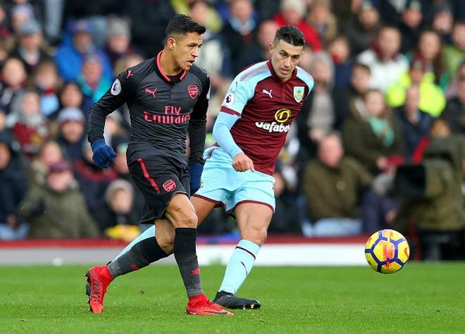 Burnley - Arsenal: Nghiệt ngã quả phạt đền phút bù giờ 1