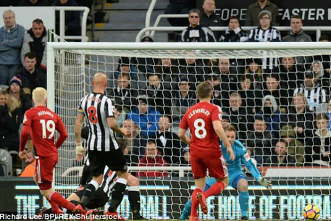 """Newcastle - Watford: """"Đốt lưới nhà"""", thảm họa kinh hoàng 1"""