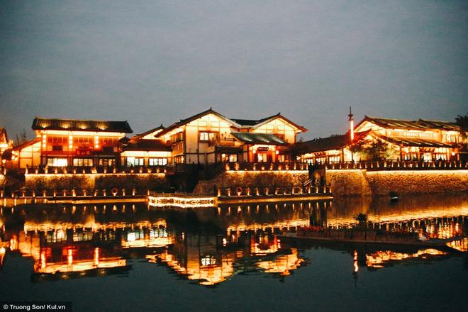 Đông Phương Diêm Hồ Thành điểm đến mới sẽ soán ngôi Phượng Hoàng Cổ Trấn - 30