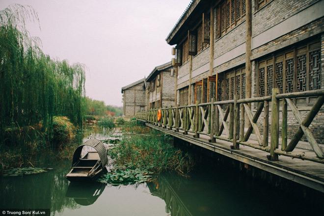 Đông Phương Diêm Hồ Thành điểm đến mới sẽ soán ngôi Phượng Hoàng Cổ Trấn - 34