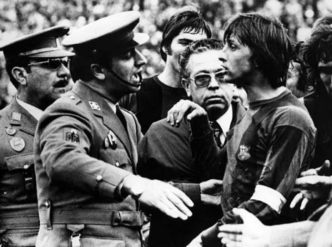 Barca bị trọng tài cướp bàn thắng: Âm mưu trù dập vì dám ly khai? - 6