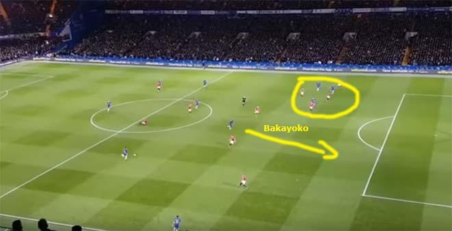 Thượng đỉnh Arsenal - MU: Đấu Wenger, Mourinho hóa hổ dữ hay mèo ngoan rụt cổ 3