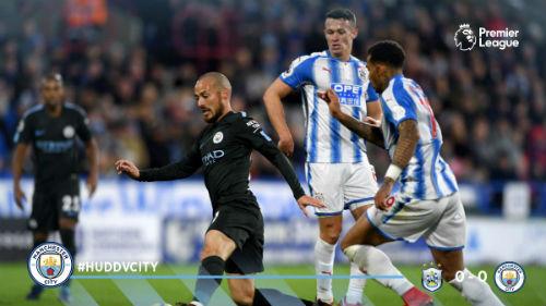 Chi tiết Huddersfield - Man City: Người hùng Sterling (KT) 20