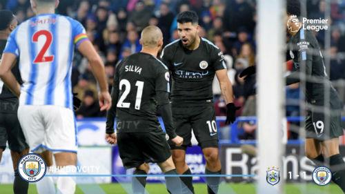 Chi tiết Huddersfield - Man City: Người hùng Sterling (KT) 22
