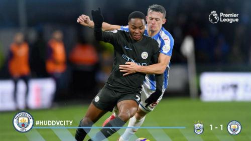 Chi tiết Huddersfield - Man City: Người hùng Sterling (KT) 23