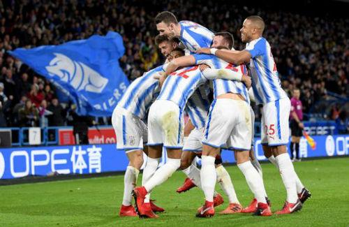 Chi tiết Huddersfield - Man City: Người hùng Sterling (KT) 21