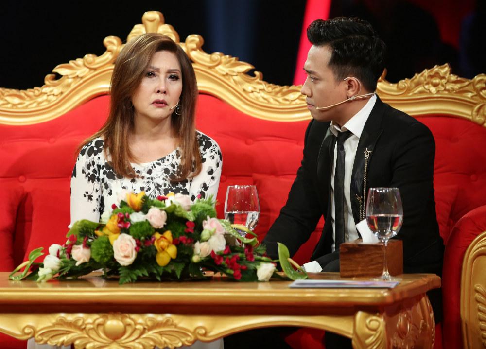 Tai tiếng bỏ chồng bệnh tật, tham giàu của danh ca Họa Mi được chồng cũ giải oan