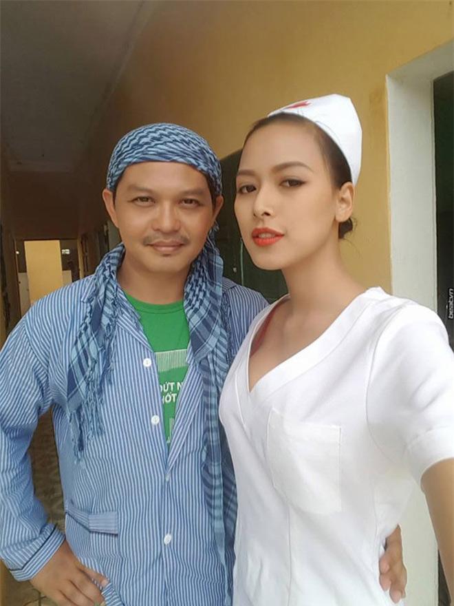 Nữ y tá sexy khiến Trung Hiếu khó rời mắt nói về việc biến mất khỏi showbiz