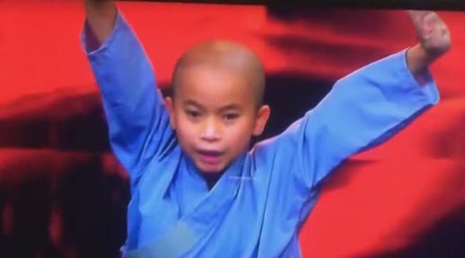 Cậu bé Việt phô diễn võ công xuất chúng: Sôi sục lãng võ thế giới 1