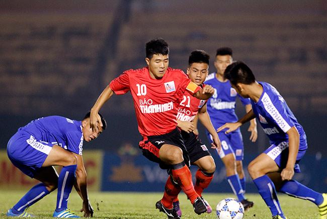 Quân của Giggs thua đau, HLV Park Hang Seo xem giò học trò U23 Việt Nam 2