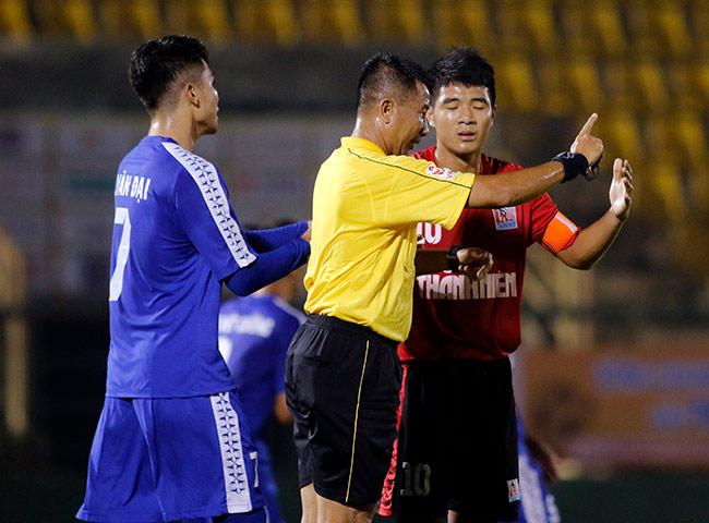 Quân của Giggs thua đau, HLV Park Hang Seo xem giò học trò U23 Việt Nam 3