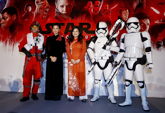 Bất ngờ khi Vân Ngô gặp khó khăn với tiếng Anh trong ê-kíp bom tấn Hollywood