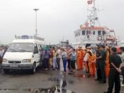 Tin tức trong ngày - Vụ chìm tàu 6 người chết, mất tích: Đưa thi thể 2 thuyền viên về bờ