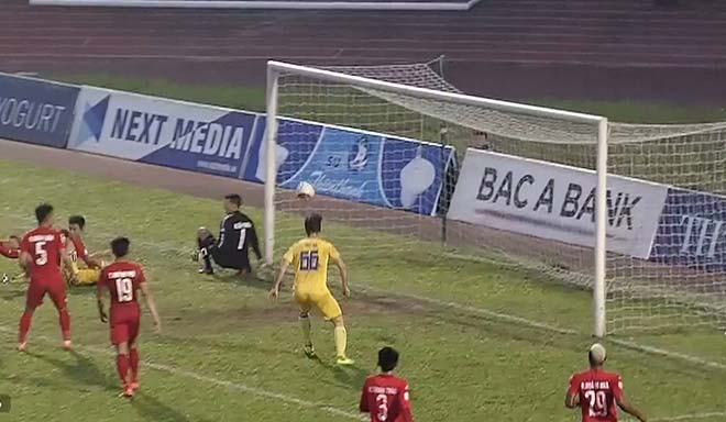 SLNA - B. Bình Dương: Sân Vinh nổ tung tiệc 6 bàn (Chung kết lượt về Cúp quốc gia)