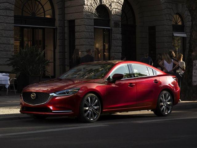 Mazda6 2018: Diện mạo mới, giá từ 568 triệu đồng