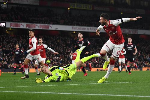Chi tiết Arsenal - Huddersfield: Thắng lợi giòn giã (KT) 25