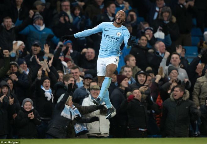 """Man City thắng nhờ """"gà son"""" phút bù giờ, fan MU giận sôi máu 3"""