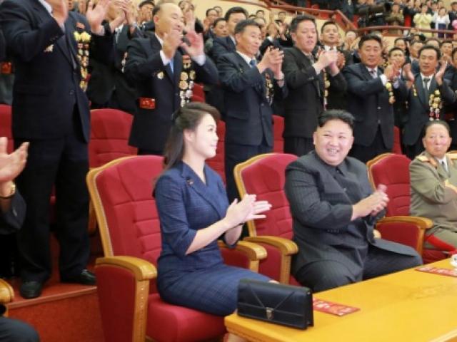 """Ngắm """"đội quân"""" toàn mỹ nữ của Triều Tiên đi cổ vũ ở nước ngoài - 9"""