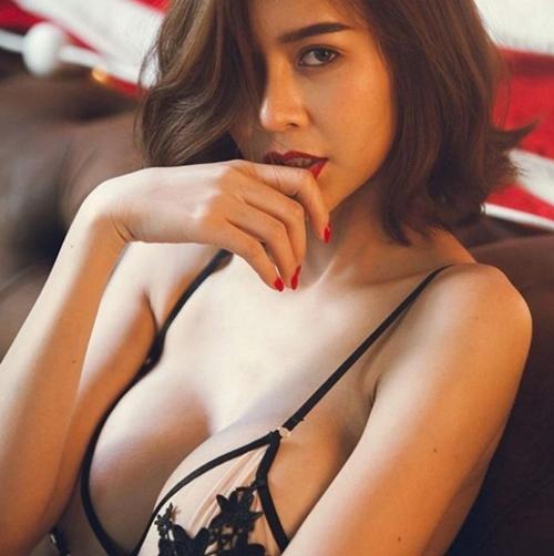 """Hết hồn với nàng người mẫu Thái Lan có """"núi đôi"""" như sắp nổ tung - 8"""